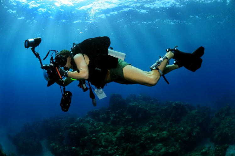 underwater-photographer-scuba-diving-military